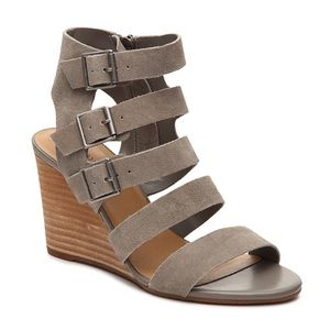 NWOB Crown Vintage Wedge Sandal